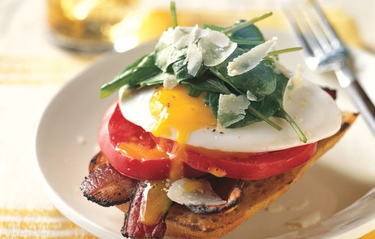 open-face-bacon-and-egg-sandwiches-with-arugula