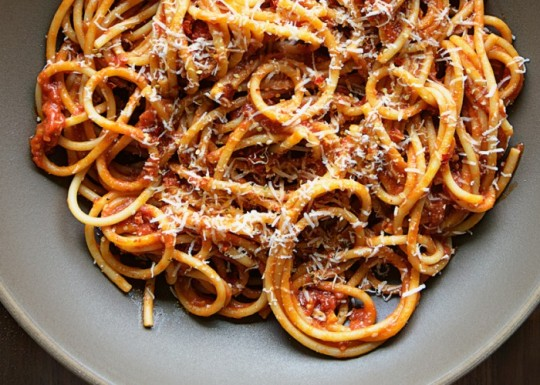 bucatini-with-butter-roasted-tomato-sauce-700x50011517803