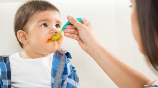 _75200553_feeding_baby2126808